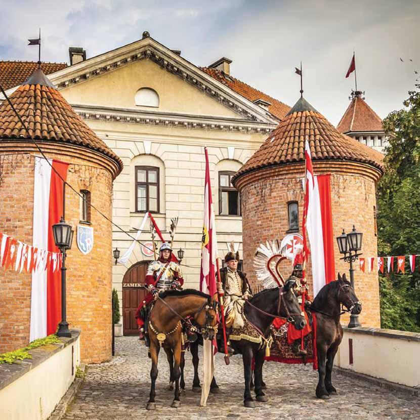 """Stowarzyszenie """"Wspólnota Polska"""" Dom Polonii Hotel Zamek Pułtusk"""